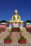 Будда на пъедестале