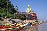 Пристань у Золотого Будды