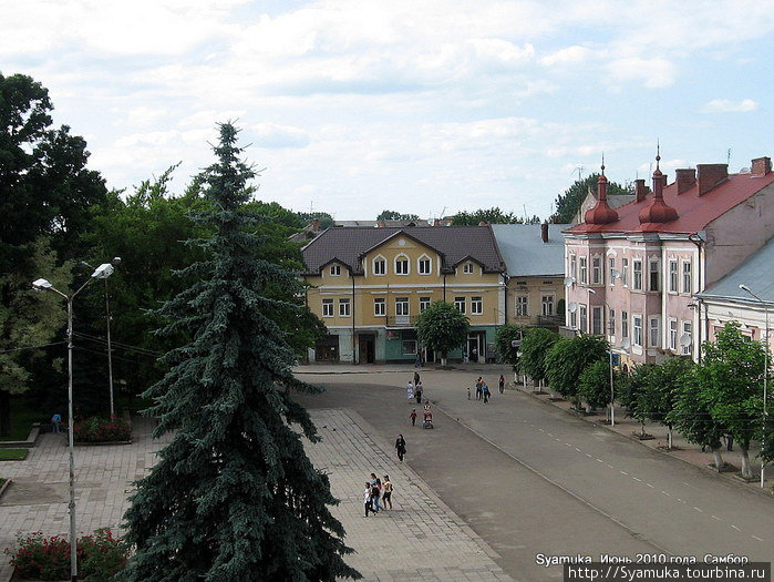 Часть площади Рынок.