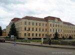 По улице Ивана Франко, 2 находится здание бывшего уездного суда, которое было построено в 1909 году.