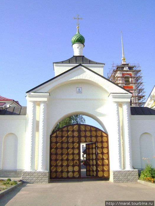 Южные Святые врата со стороны Варниц