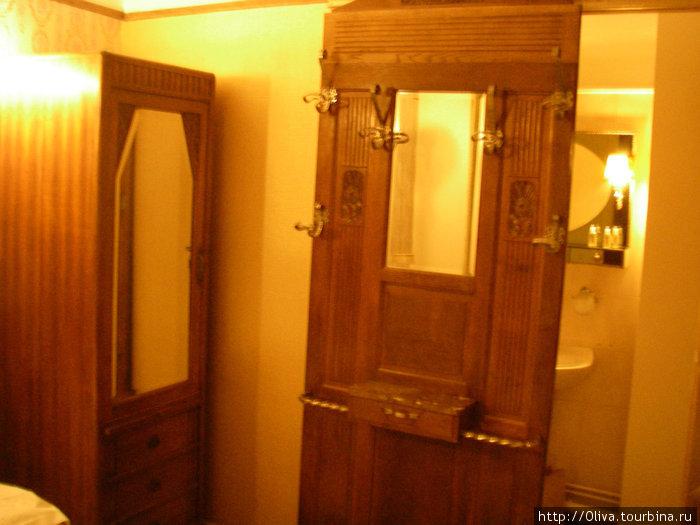 Те самые зеркала-двери
