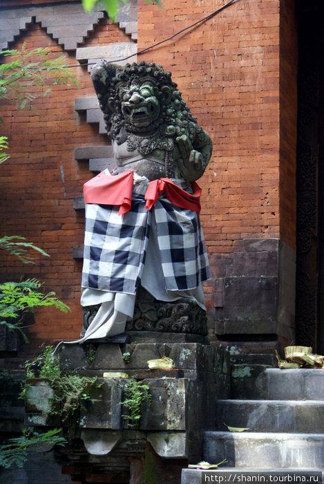 Демон Денпасар, Индонезия