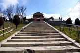 Лестница к храму в поселке