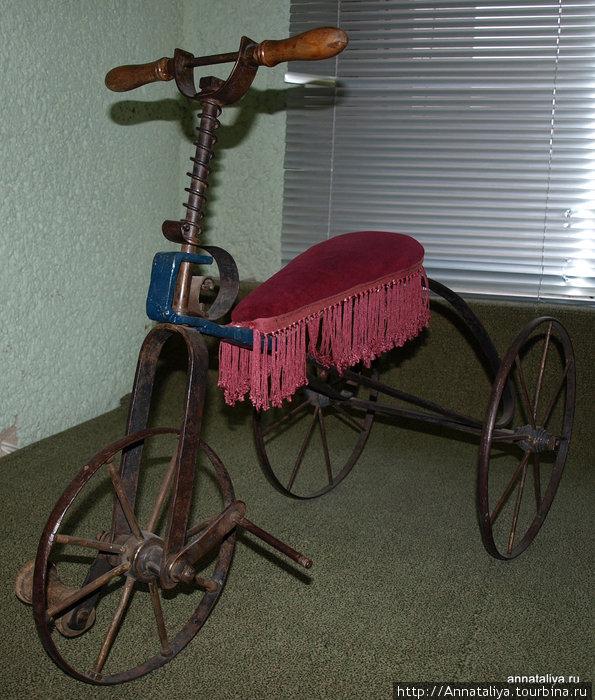 Детский кованный велосипед 1905 года