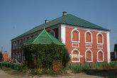 Монастырские постройки.