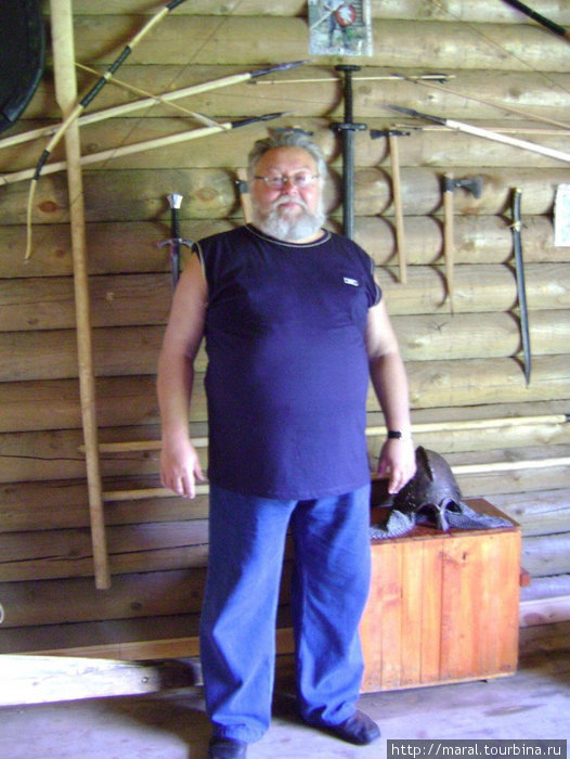 Александр Николаевич Рыкунов — директор музея в сторожевой башне и заместитель руководителя Рыбинской археологической экспедиции