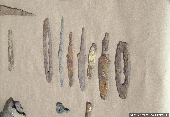 Средневековые железные ножи