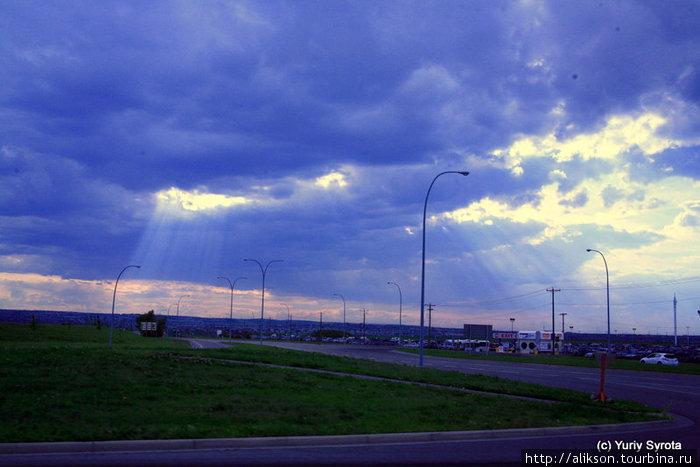 По дороге из аэропорта в город.