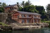 Новые дома на острове Самосир
