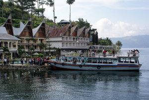 Пристань на острове Самосир