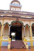 Боковой вход в храм