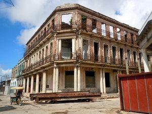 Старый отель закрыт на реставрацию