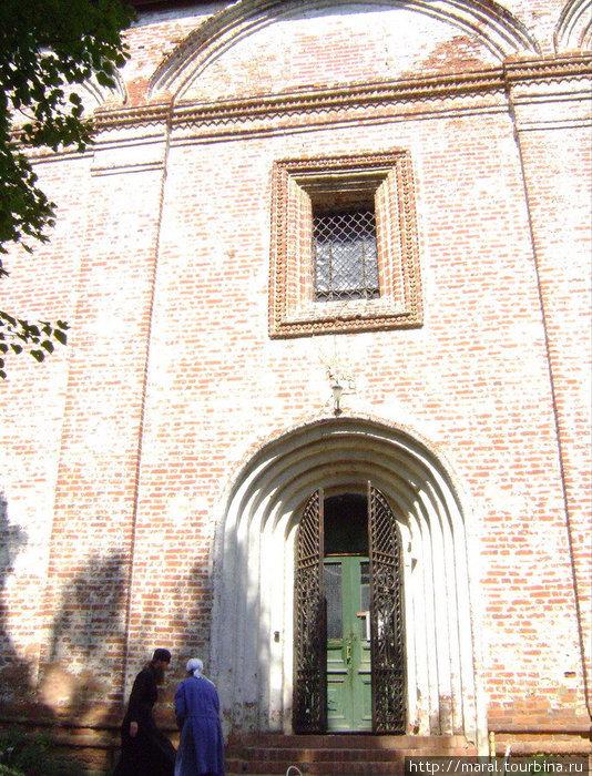 По молитве нашей врата Борисоглебского собора открылись