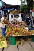 На уличном рынке