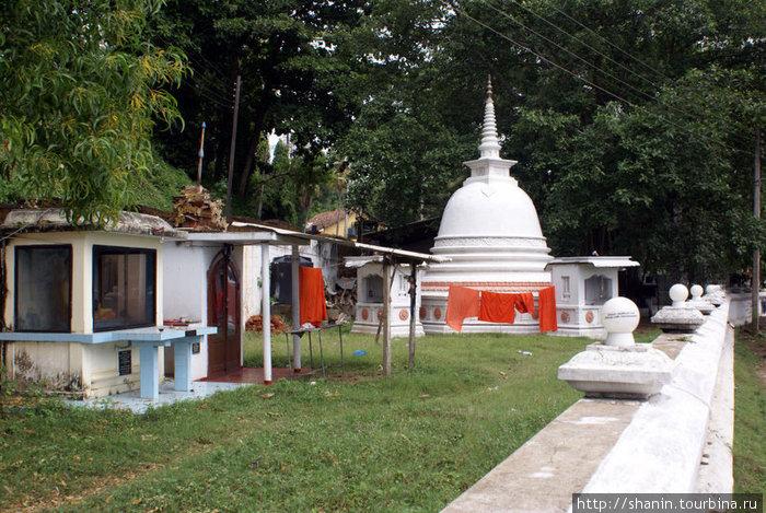 Монастырь Тангалла, Шри-Ланка