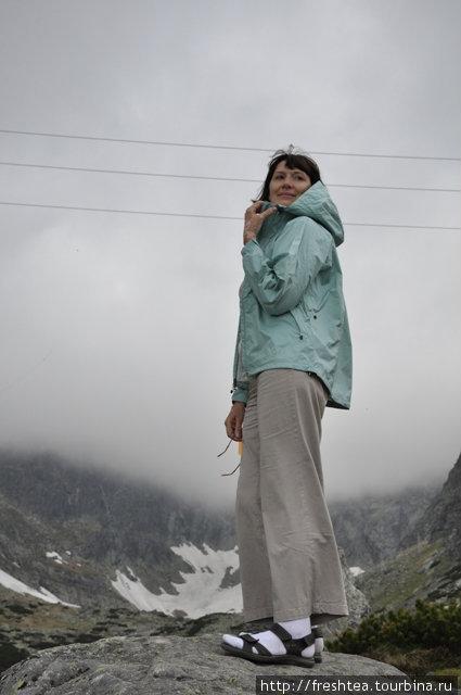 Зачехлилась! 1200 м над уровнем моря — и свежо, как зимой. Даже не верится, что еще час назад кружили по гольф-полю на электромобильчике ))