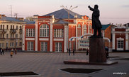 Ленин на центральной площади