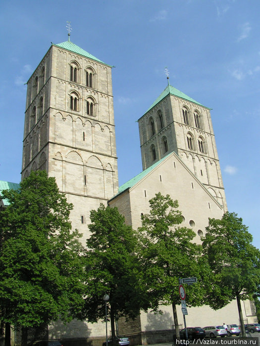 Западный фасад собора