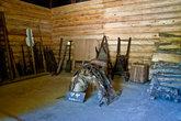 Гараж и дровяной склад на нулевом (земляном) этаже