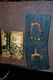 Выставка на чердаке: грязеступы (обувь, используемая при посадке риса)