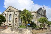 Главным историко-культурным памятником столицы считается собор Сент-Джонс, построенный в 1845 году
