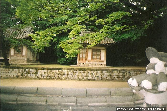 Укромный уголок сада Хувон.