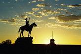Виндхук. Памятник белому колонизатору