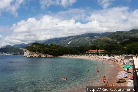 Королевский пляж с парапета набережной