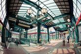 Станция местного трамвайчика (light rail) недалеко от китайского района.