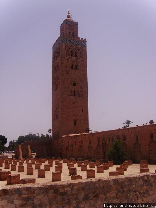г. Марракеш. Мечеть Кутубия, 12 век.