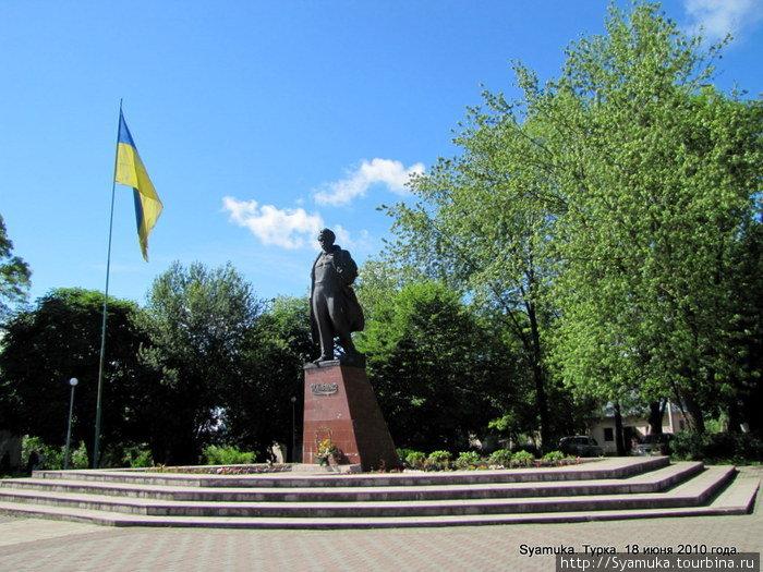 Памятник Т. Г. Шевченко.