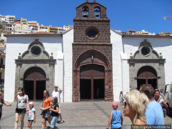 церковь, где молился Колумб.