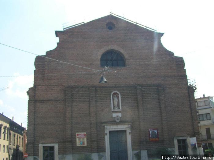 Незавершённый фасад собора