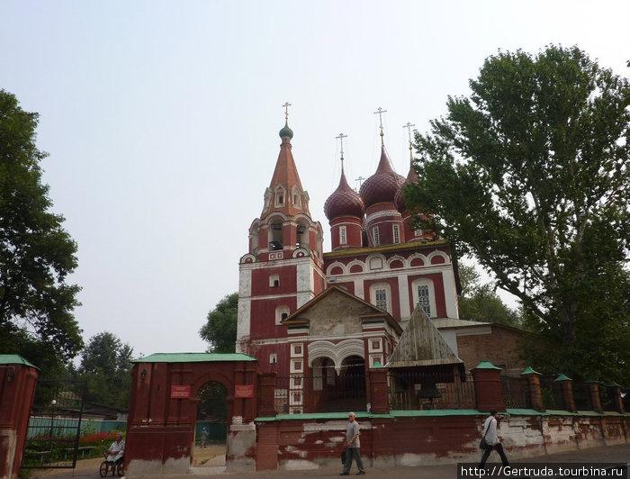 Гарнизонный храм Архангела Михаила.