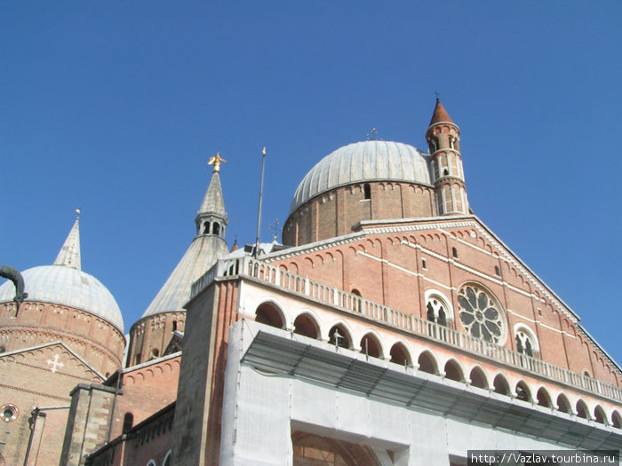 Эклектика церкви