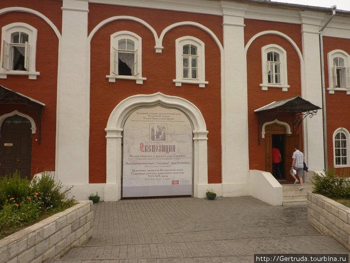Церковный историко-археологический музей  в монастыре.