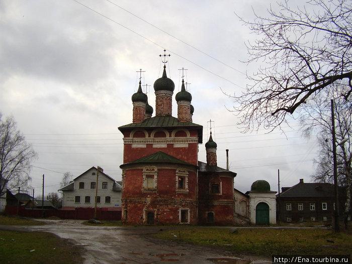 22.11.2009. Углич. Богоявленский монастырь. Смоленская церковь