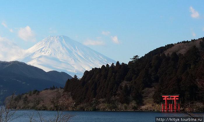 Озеро Асиноко и гора Фудзи. Хаконэ.