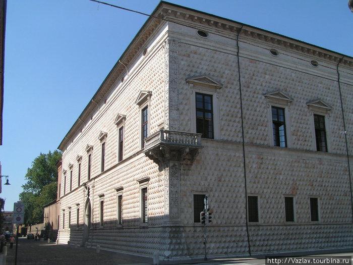 Облицовка дворца
