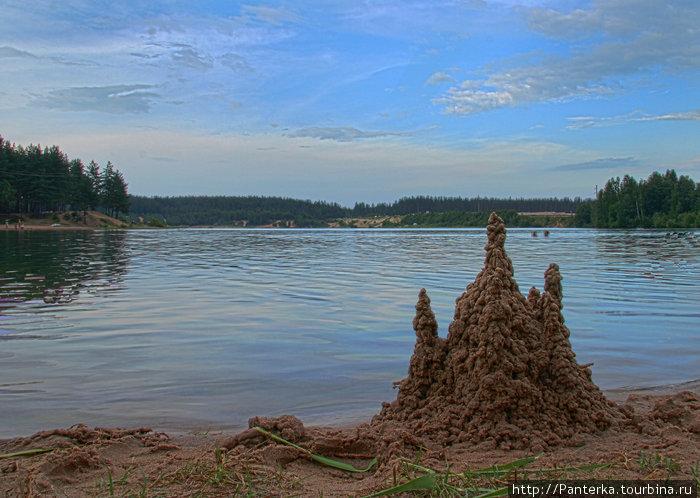 Карьер, в котором приятно искупаться Шапки, Россия
