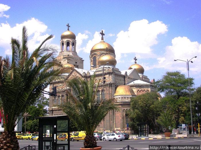 Софийский собор в городе Варне.