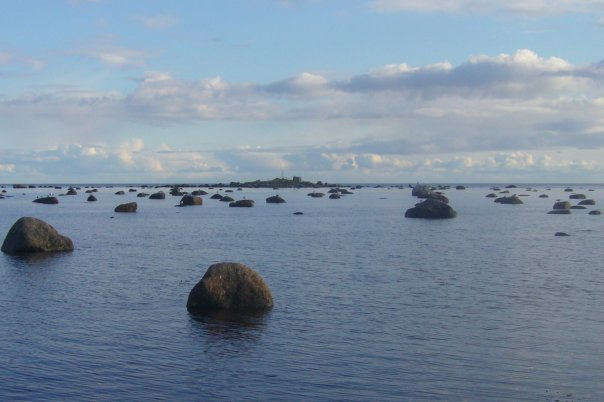 Вода дальше — остров ближе