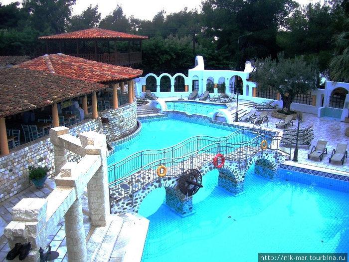 Греция. В отеле Athena Pallas.