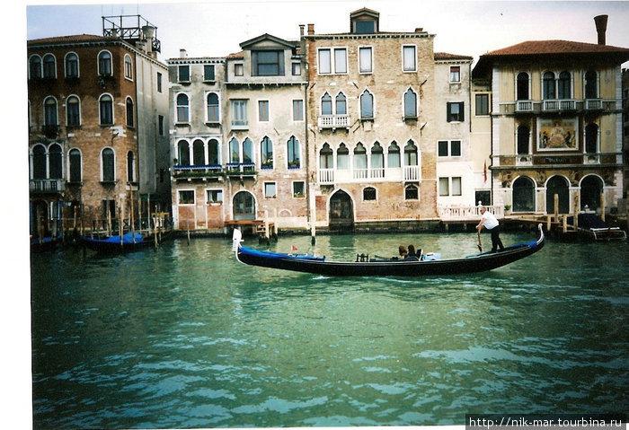Венеция с гондольером.