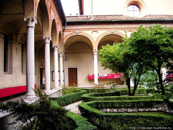 Италия. Миланский дворикю