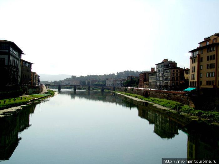 Флоренция. Гладь реки Арно.