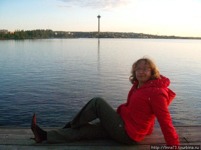 Вечерние прогулки.На берегу озера возле отеля.