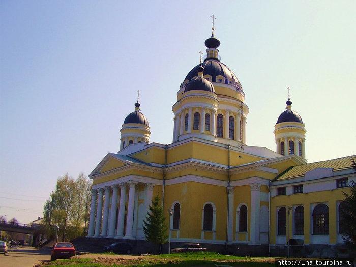 Спасо-Преображенский собор — величественный красавец