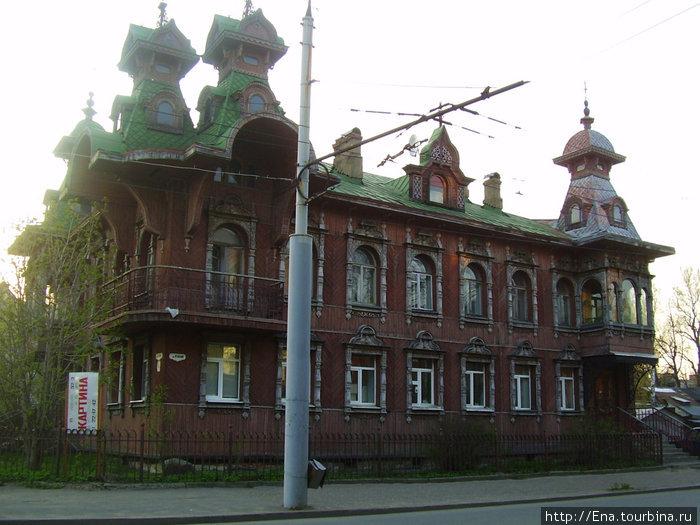 Красивый необычный дом, где обитают художники